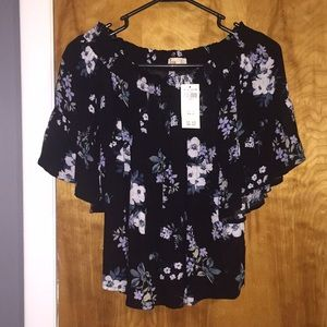 Hollister floral shirt size small